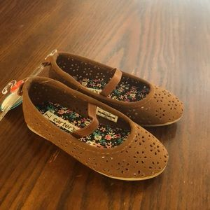 Brand new eyelet shoes
